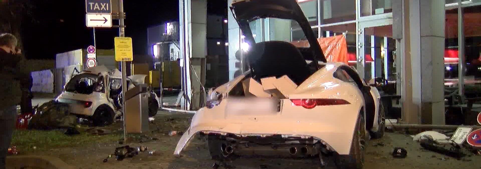 Raser-Unfall mit zwei Toten war kein Mord