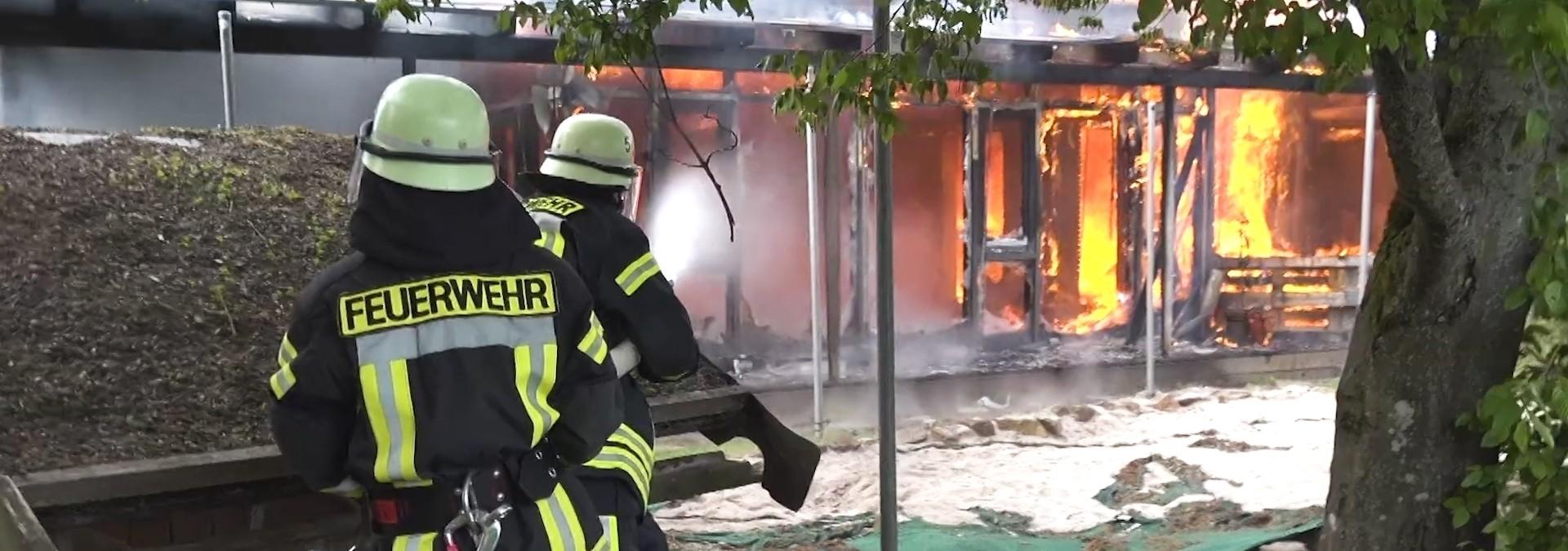 Kindergarten brennt komplett nieder